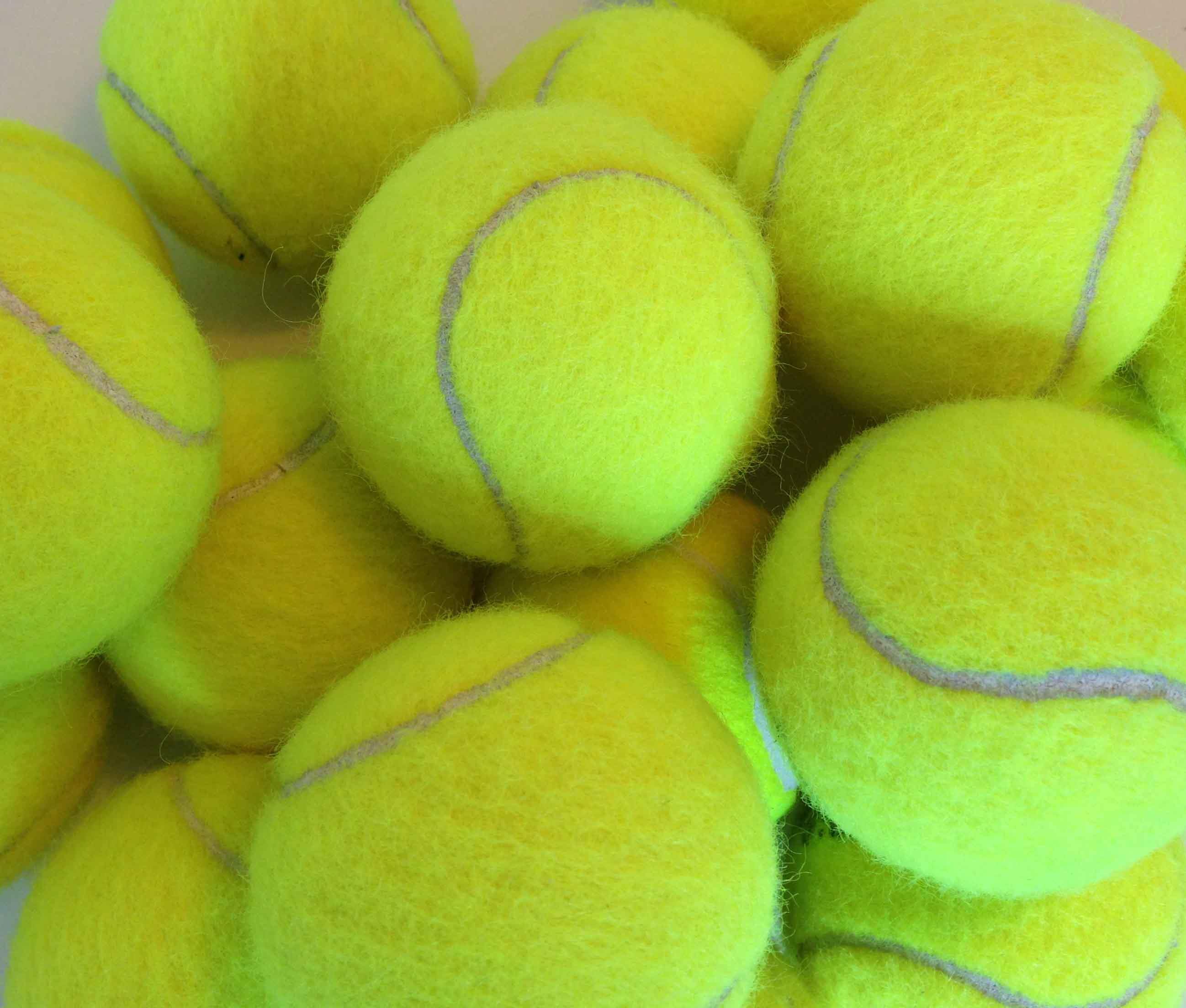 Modernistisk TennisboldeSH GZ43